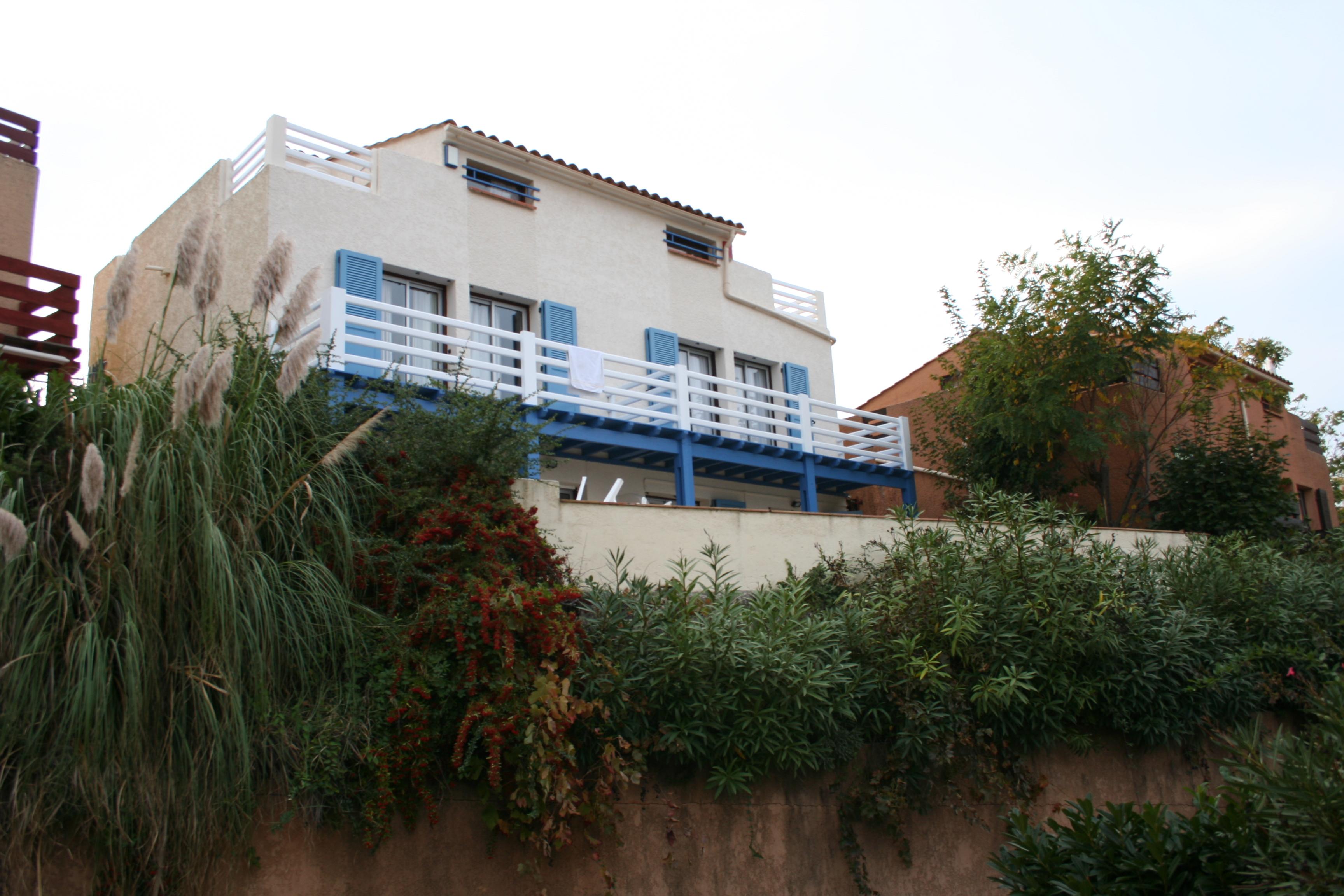 villa-back